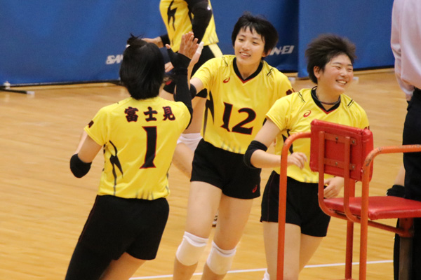 H30_volley09